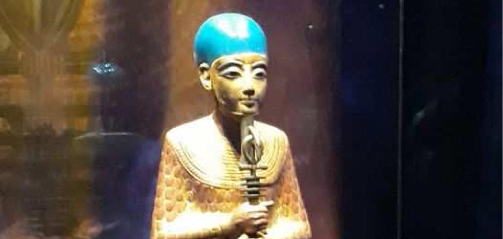 [Egyptologie] - Les billets de Juliette_#8 : Une statue du dieu Ptah tenant un sceptre composite (tombe de Toutankhamon)